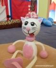 Růžová kočička hračky na pružině