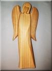 Dřevěná soška Anděl B, materiál třešeň, v. 21 cm