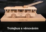 Trolejbus ze dřeva na podstavci - dárky pro řidiče