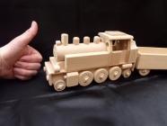 Třínápravová parní lokomotiva DR s vagónem - hračka ze dřeva