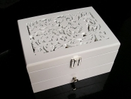 Šperkovnice bílá dřevěná patrová