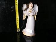 Anděl s holubem, sošká keramacké dekorace