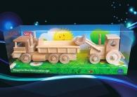Dřevěné hračky (auto s kontejnerem + traktor s radlicí)