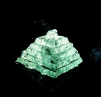 Skleněná pyramida, pyramidy ze skla