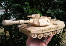 Tank na hraní s věnováním