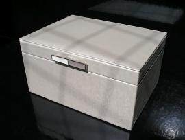 Perleťová koženková patrová šperkovnice LUX