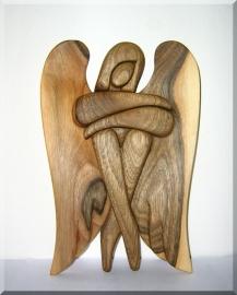 Anděl ze dřeva - ořech