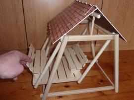 Houpačka ze dřeva - hračka