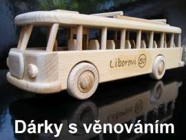 Autobus dárke s textem a jménem k padesátinám