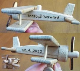 Dřevěné letadal, dárky pro děti se jménem