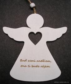 dreveny andel závěsná dekorace citaty
