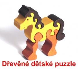 Dřevěné dětské puzzle koníček
