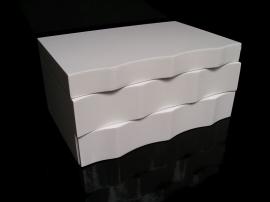 Bílá dřevěná šperkovnice patrová se šuplíčky | vlnka
