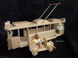 Dřevěná tramvaj pro děti