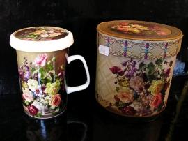 Hrnek na čaj se sítkem, motiv růže, květiny