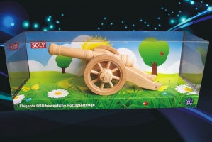 Hračka, lehký polní kanón z bukového dřeva