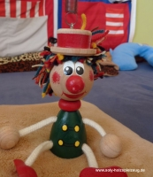 Šašek hračka na pružině pro děti