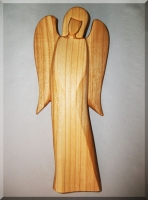 Dřevěná soška Anděl B, materiál třešeň, v. 18 cm