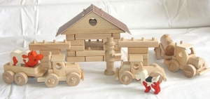 Benzinka - didaktická hračka stavebnice ze dřeva.
