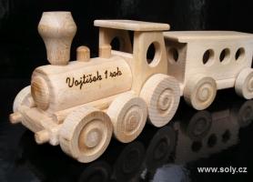 Dřevěný vláček - hračky ze dřeva