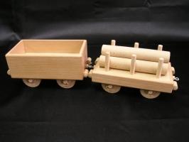 Přípojné vagóny k lokomotivě. Dřevěné hračky