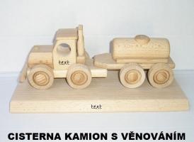 Cisternový vůz - dřevěná hračka na podstavě