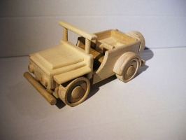 Jeep terénní autíčko ze dřeva