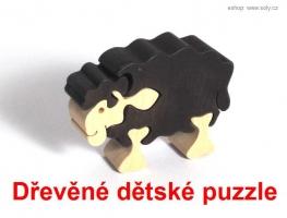 Černá ovečka dřevěné dětské skládací puzzle
