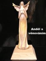 Soška anděla na podstavci s možností věnování