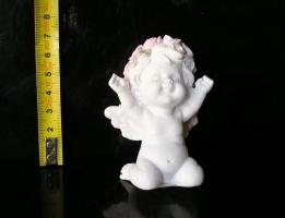 Malý anděl dítě na srdci, sošky dekorace