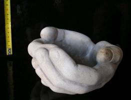 Kamenina ruce, chlapské dlaně miska na dobroty