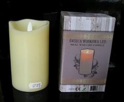 Dokonalá imitace svíčky, plámínek se mihotá