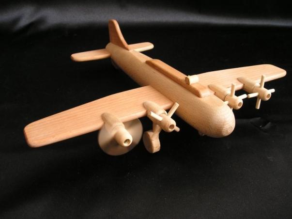 Velké letadlo hračka, vrtulový bombardér B17 ze dřeva pro kluky