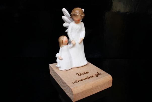 Anděl strážný s holčičkou
