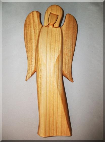 Soška Anděl B, materiál třešeň, v. 21 cm