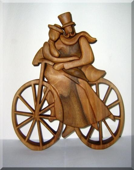 Sošky, zamilovaní cyklisté - plastika ze dřeva v. 35 cm