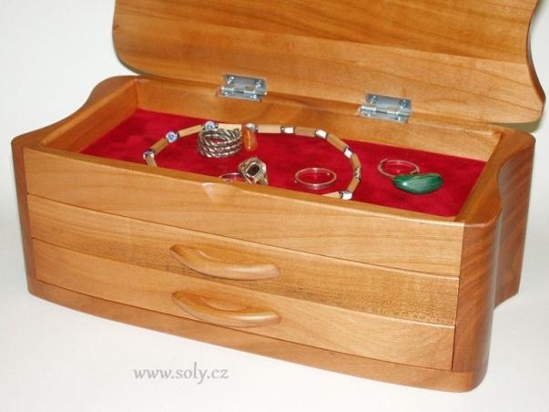 Šperkovnice dřevěná světlá se šuplíky české výroby