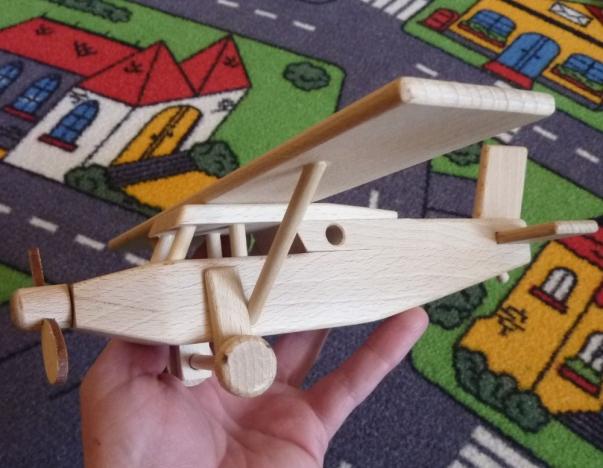 Dřevěné letadlo typ Pilatus - hračky
