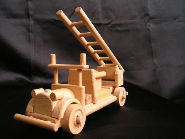 Hasičské požární auto, vozidlo - dřevěné hračky