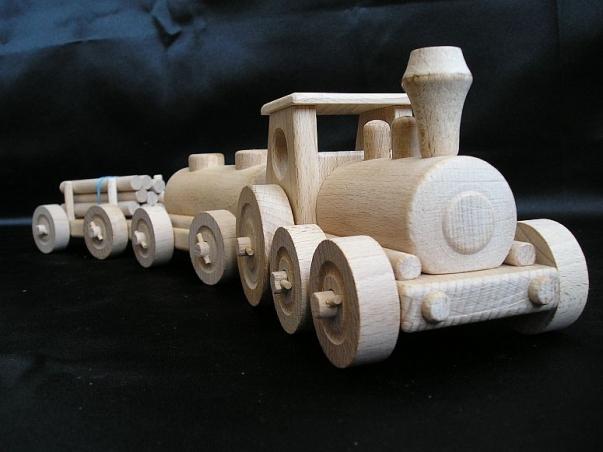 Dřevěný vláček nákladní - vláčky a hračky ze dřeva