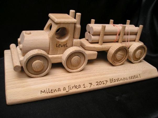 Lesní kamiony hračky a dárky pro řidiče