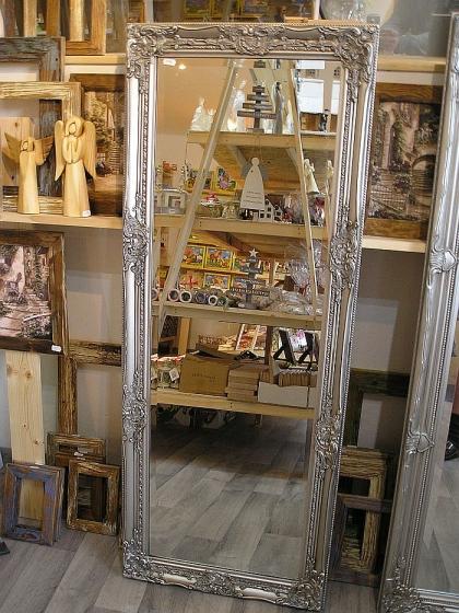 Stříbrné zrcadla na stěnu dřevěný rám 133x52 cm