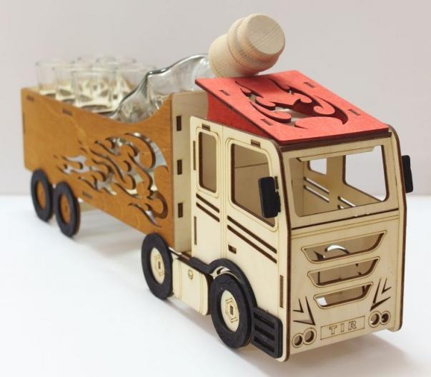 Dárková láhev, sklo, kamion, truck, řidič