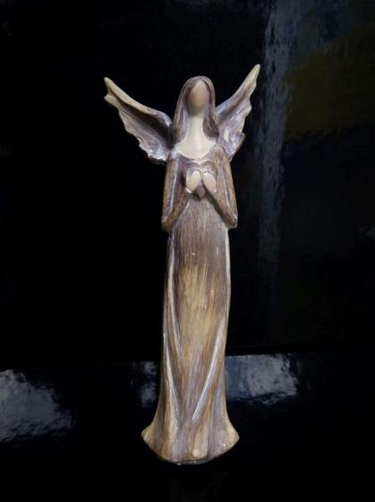 Soška anděla strážného | imitace dřeva