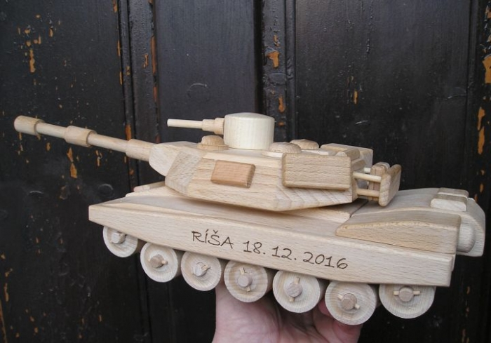 Tank hračka se jménem