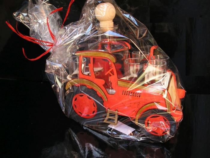 Dárkek pro traktoristy láhev traktor