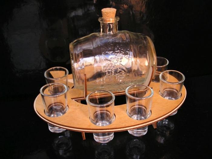Skleněný soudek se skleničkami dárek