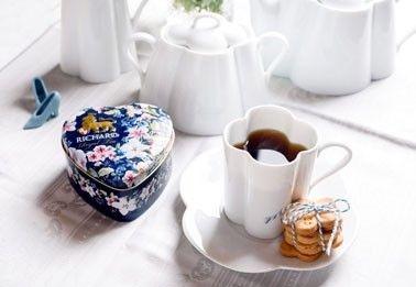 ČERNÝ dárkový čaje plechová doza srdce