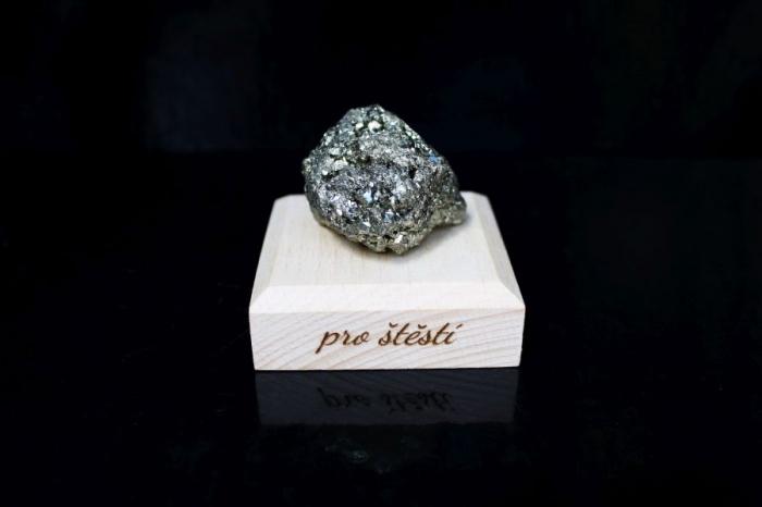 Pyrit minerál kámeny pro štěstí dárek