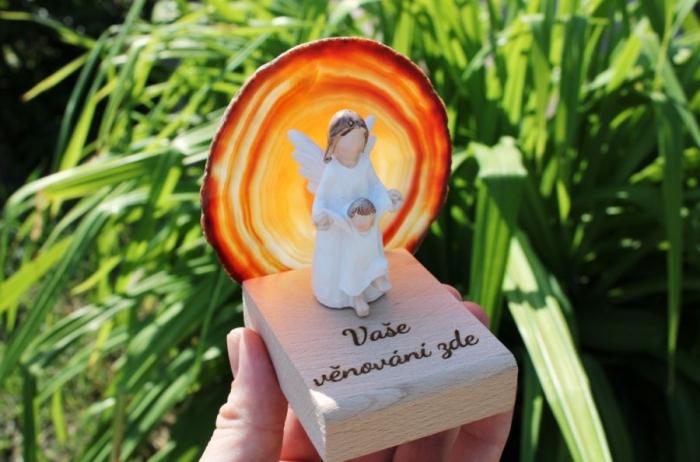 Anděl strážný ochránce s dítětem, dárky pro ženy